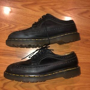 vintage dr martens *possibly 3989 yellow stitch*